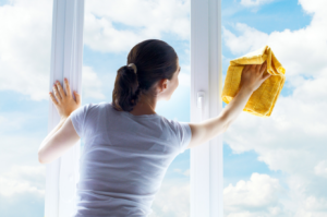 Wiosenne porządki – jak zadbać o okna